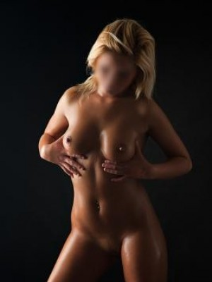 Kristine - Escorts in Manchester