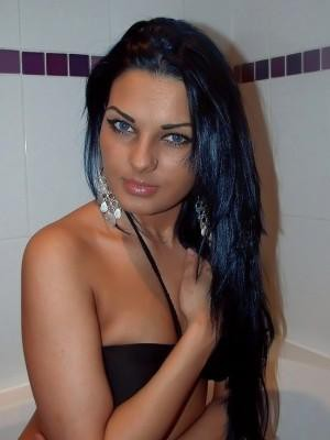 Larisa - Escorts in Manchester